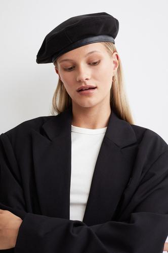 Фото №5 - Шапки, береты и кепки: самые модные головные уборы осени и зимы 2021/22
