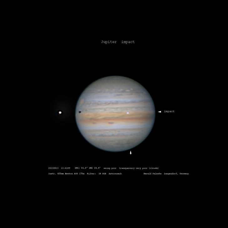 Фото №1 - Неопознанный объект упал на Юпитер