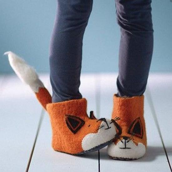 Фото №1 - Тапочки для малышей, которые заставят вас рыдать от умиления