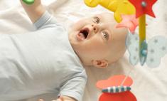 Развитие ребенка в 5 месяцев: еще немного  и поползем, еще чуть-чуть  и заговорим