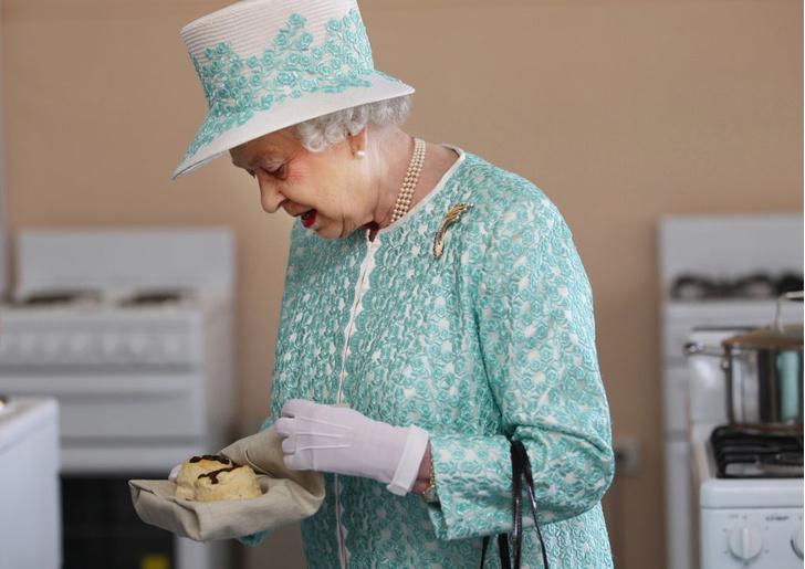 королевская семья, продукты, которые нельзя готовить королевской семье, правила королевского дворца, королевский этикет, запреты королевского дворца, что едят короли, что ест Елизавета, что едят члены королевской семьи