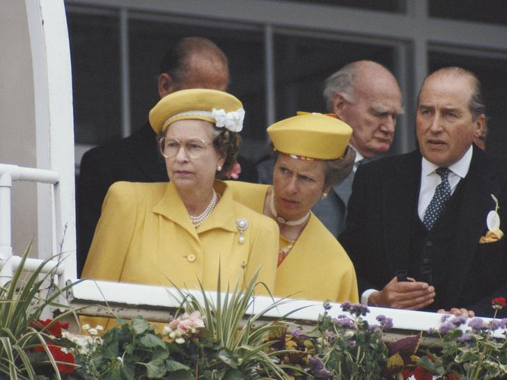 Фото №2 - Одним цветом: как королевские особы носят монохромные образы— 30 вдохновляющих примеров