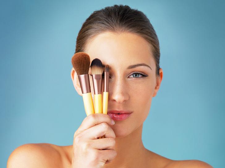Фото №1 - Как сделать макияж, если кожа шелушится: секреты визажистов