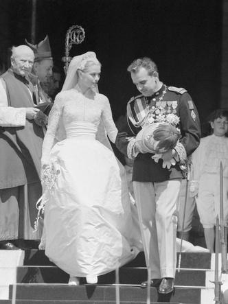 Фото №21 - Как выходили замуж легенды Голливуда: самые красивые ретро-фотографии