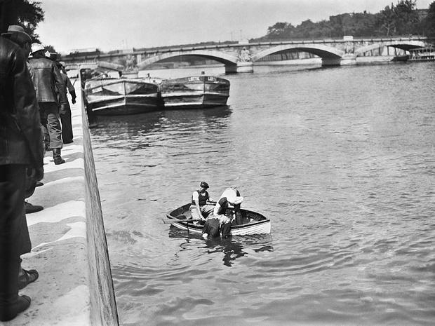 Фото №4 - Парижская Офелия: как таинственная утопленница из Сены спасла тысячи жизней