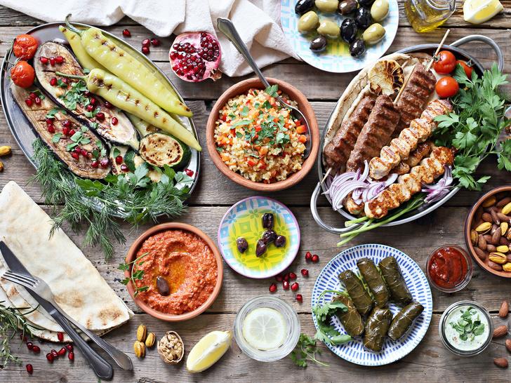 Фото №1 - Греческая кухня у вас дома: 4 блюда, которые понравятся всем