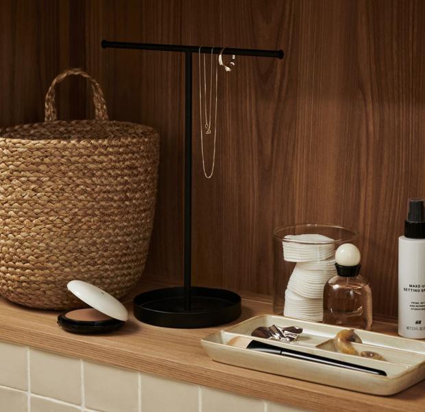 Фото №16 - Стильные аксессуары для хранения в ванной