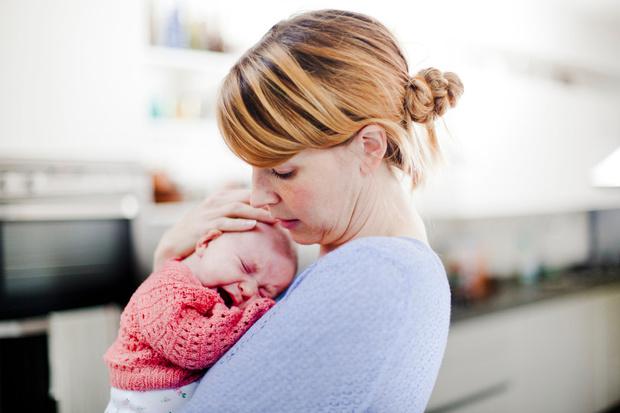 Почему ребёнок плачет, детская истерика причины
