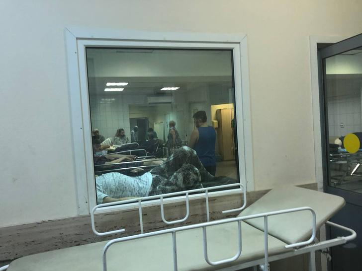 Фото №6 - «Нековидные» больницы превратились в ад— честный репортаж из приемного отделения