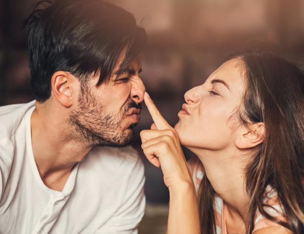 можно ли выщипывать дергать волосы в носу, как выдернуть волосы из носа, как брить волосы в носу, почему растут волосы в носу у женщин