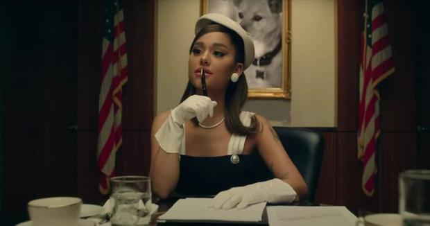 Фото №6 - Как повторить образ Арианы Гранде из нового клипа «Positions»