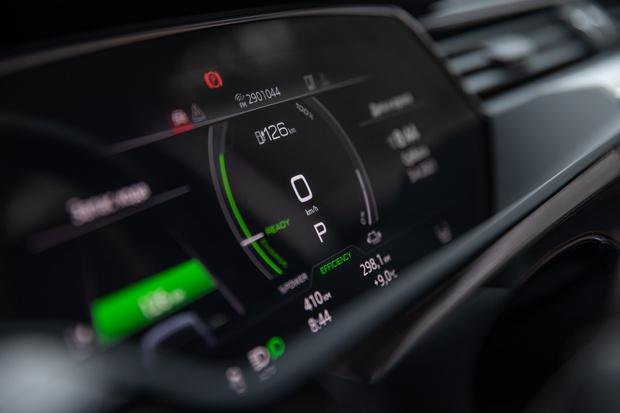 Фото №32 - Элегантный дизайн прогрессивных технологий: новый полностью электрический SUV Audi e-tron Sportback