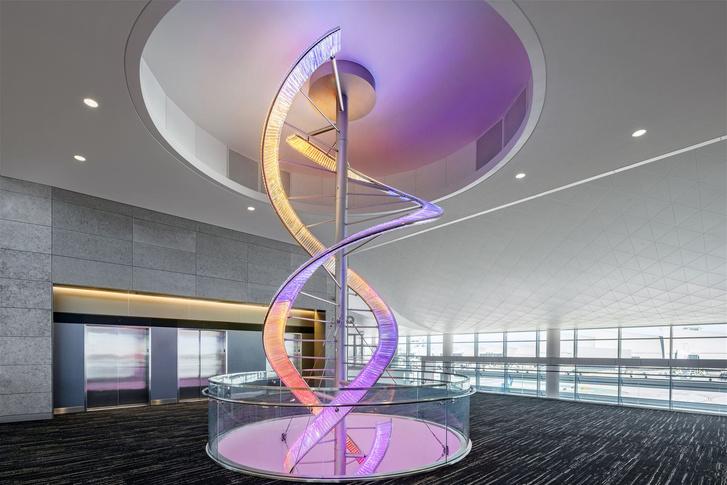 Фото №1 - «Хрустальный вихрь» Preciosa в аэропорту Лос-Анджелеса