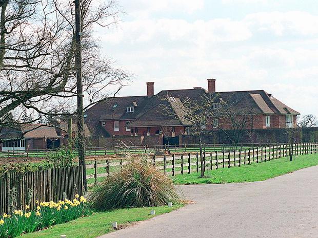 Фото №2 - Подарок Королевы любимому сыну: как выглядела резиденция Йоркских и почему ее пришлось снести