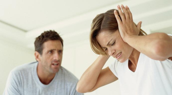 «Осторожно, опасность!»: 4 признака нездоровых отношений