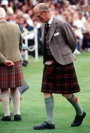 Фото №7 - Дресс-код королевских мужчин: как килты оказались в гардеробе Виндзоров