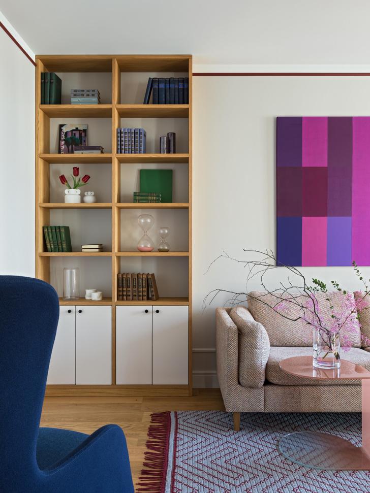 Фото №2 - Яркая квартира для молодоженов и золотистого ретривера 62 м²