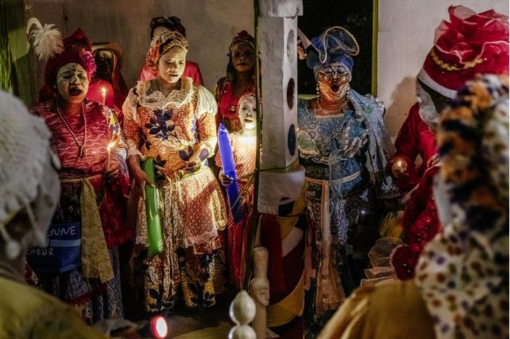 Фото №1 - Владычицы ночи: секретный ритуал Бвити в Габоне