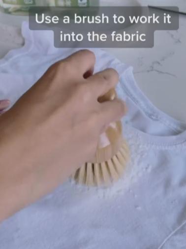 пятно, пятно на одежде как вывести, без отбеливателя, как вывести пятно с цветной одежды