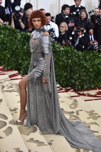 Фото №20 - Королева красных дорожек: 15 потрясающих образов Зендеи, которые вошли в историю моды