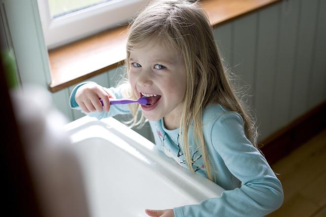 Фото №1 - Чистим зубы: все про гигиену полости рта