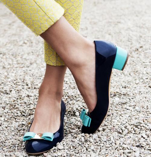 Фото №1 - 23 красивые пары обуви до 5000 рублей