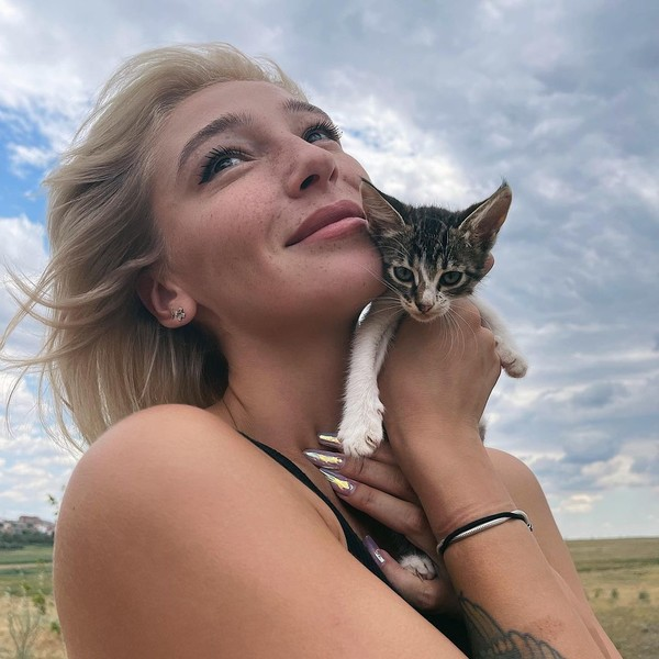 Фото №3 - Настя Ивлеева впервые прокомментировала развод с Элджеем