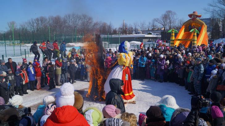 Фото №8 - Провожаем зиму: где в Петербурге погулять на Масленицу