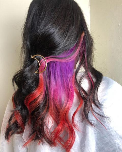 Фото №1 - 10 крутых идей скрытого окрашивания для разного цвета волос