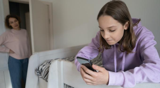 Родительский контроль: стоит ли читать переписку ребенка?