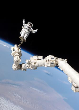 Фото №1 - Погибнет ли человек от холода в открытом космосе?