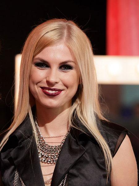 Певица из Саратова прошла в финал проекта «Главная сцена»