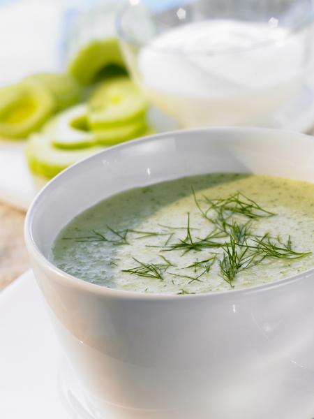 Крем-суп с огурцом и йогуртом фото