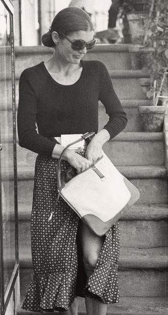 Фото №13 - Модный список Первой леди: любимые бренды Жаклин Кеннеди