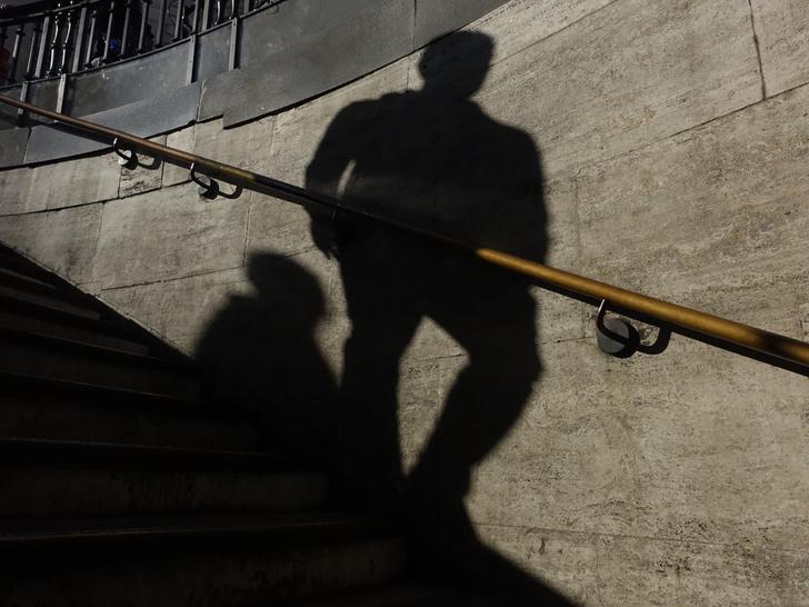 Фото №2 - Пыталась убежать, очнулась в темноте: мужчина отравил 15-летнюю москвичку уколом с неизвестным веществом