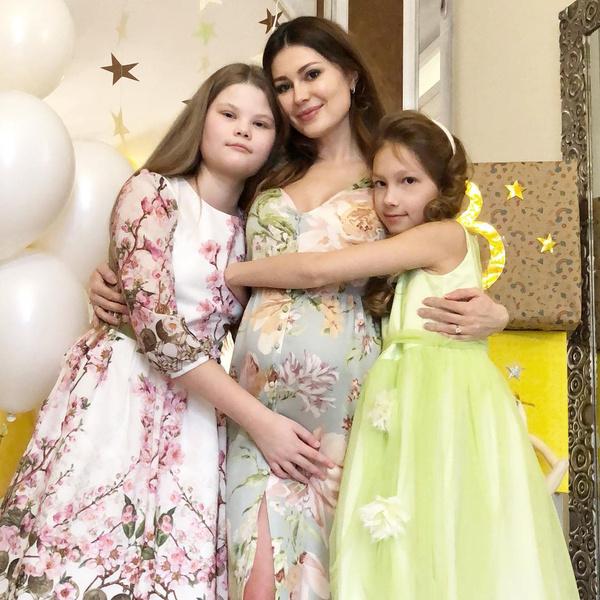 Фото №1 - Ольга Ушакова в третий раз стала мамой