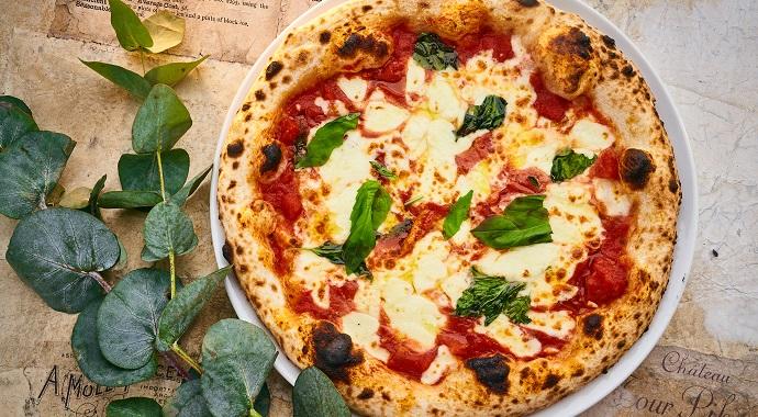 Неаполитанская пицца от ресторанов «Фаренгейт» и «Волна» Maison Dellos