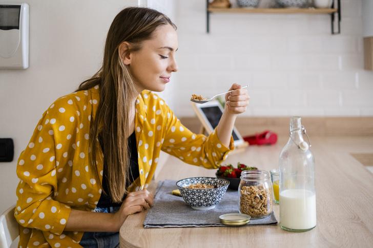 Фото №1 - Что приготовить на завтрак: 8 здоровых идей и 1 вредная