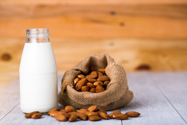 Фото №2 - Можно ли давать детям растительное молоко: мнение врача