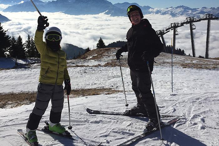 Гувернер из Англии должен не только обучать английскому ребенка, но и приучать его к здоровому образу жизни, заниматься с ним спортом, кататься на горных лыжах, плавать и бегать.