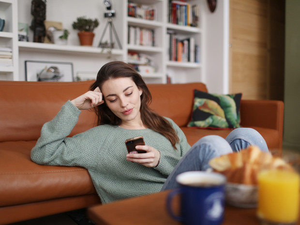 Фото №3 - Почему мы не можем расстаться с телефоном (и как избавиться от этой привычки)