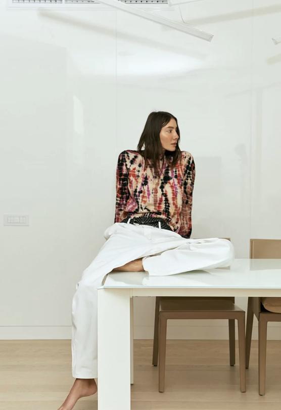 Фото №6 - Одна рубашка поверх другой и еще 5 трендов этой весны в капсульной коллекции Юлии Пелипас и Rika Studios