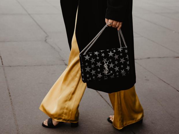 Фото №2 - Новые правила стиля: нужно ли подбирать сумку к обуви