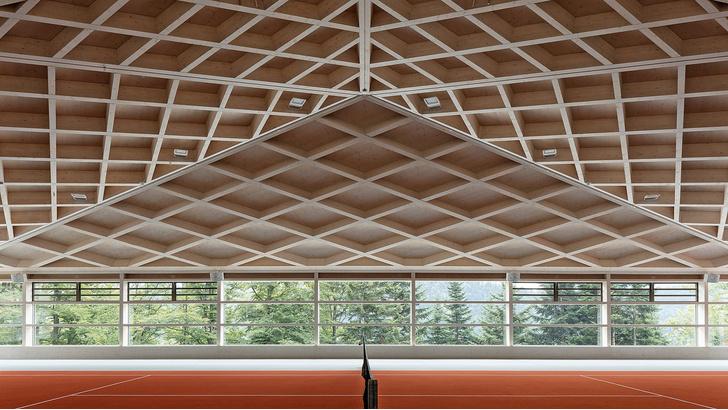 Фото №1 - Теннисные корты с ромбовидными потолками