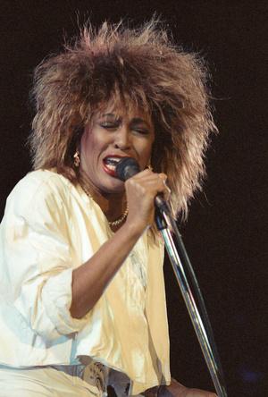 Фото №2 - Бузова расплела афрокосы и стала похожа на Тину Тернер