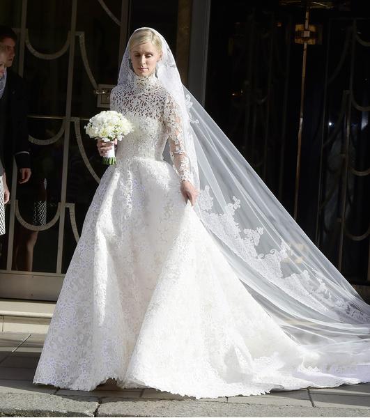 Самые провальные свадебные платья звезд: фото