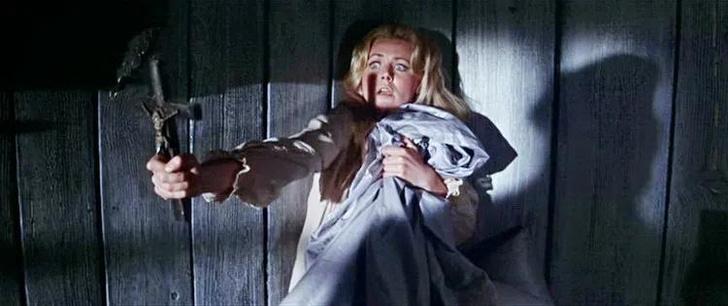 Фото №6 - 10 ситуаций, которые выглядят романтично в фильмах, но в жизни— пугающе