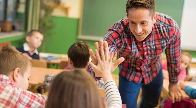Учительский абьюз: как защитить ребенка