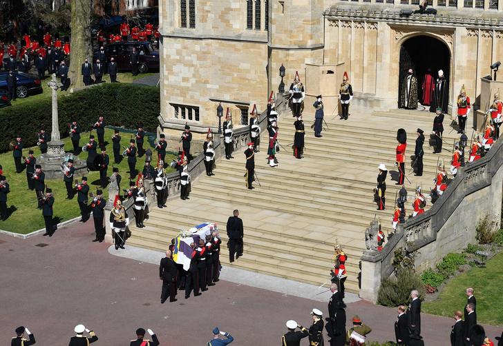 Фото №4 - Последний путь принца Филиппа: как королевская семья прощалась с любимым мужем, отцом и дедушкой