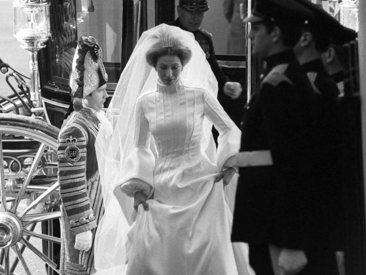 Фото №1 - Суровые традиции: почему принцесса Анна не могла выйти замуж в Англии (и куда ей пришлось бежать ради любви)